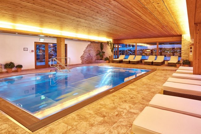 Panorama indoor pool